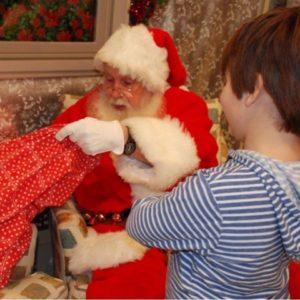 Photos with Santa in Sendik's Towne Centre