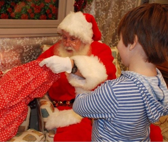 Photos with Santa in Sendik's Towne Centre